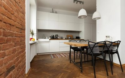 Tapety na ścianie kuchennej – czy i kiedy warto się na nie zdecydować?